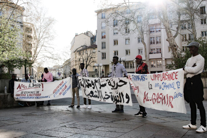 Rassemblement au départ d'une manifestation Place Guichard, à Lyon, mars 2019. / RAS-Lyon.