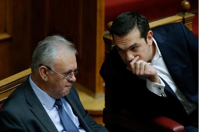 Yannis Dragassakis avec Alexis Tsipras en décembre 2017. © Reuters