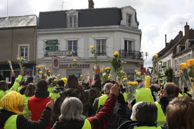 Le rassemblement en hommage à David Beaujouan à Mer, le 28 avril. © JP