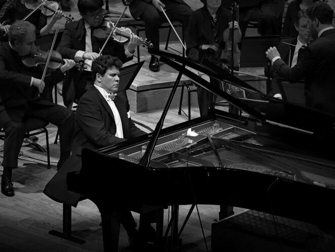 Denis Matsuev joue Rachmaninoff à la Philharmonie de Paris -photo Jacques Chuilon