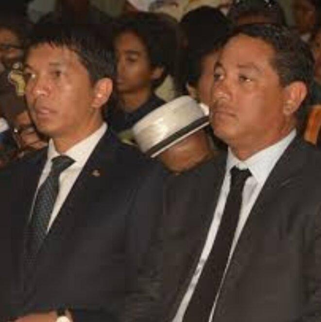 À deux ils font la paire, aucune opération juteuse ne puisse se faire à Madagascar sans qu'on ne cite le nom de M.Ravatomanga, l'homme de tous les coups, l'importation frauduleuse de ces vehicules blindés armés serait attribuée à sa société, au vu des dossiers des douanes.