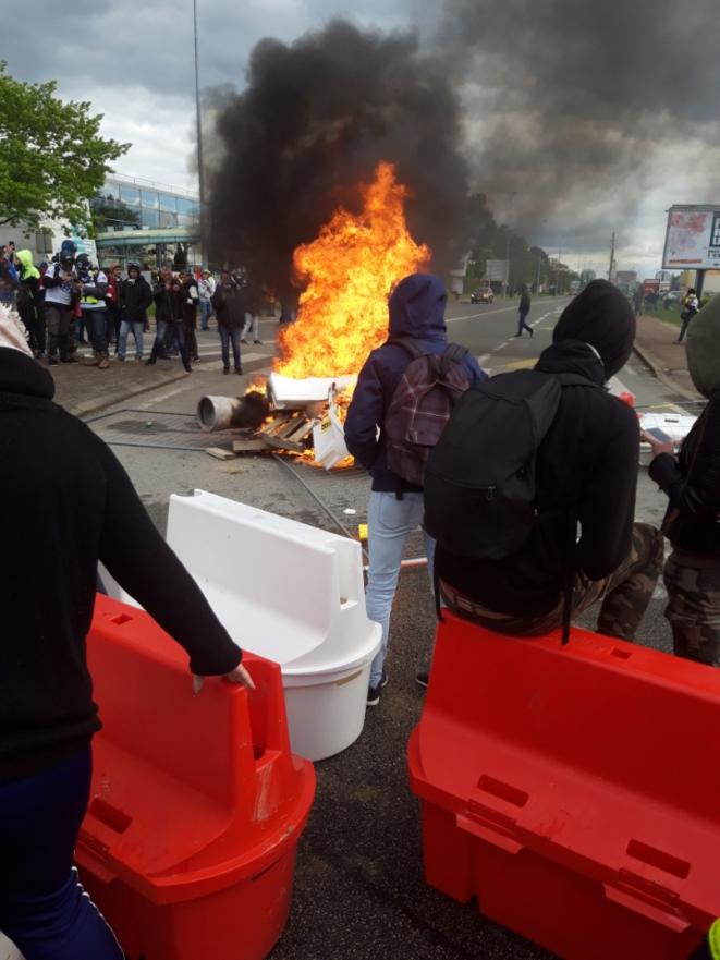 Affrontements de fin de manifestation à La Roche-sur-Yon, lors de l'acte XXV des gilets jaunes. © PYB