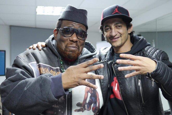 """Alkayssar avec Afrika Bombataa, un des créateurs du mouvement Hip-Hop et le fondateur de la """"Zulu Nation"""""""