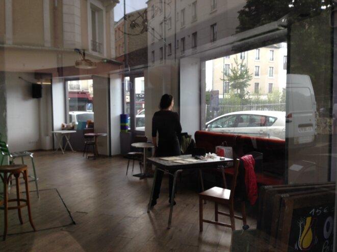 """Répétition  des """"Trois soeurs"""" au café Pas si loin à Pantin © yng"""