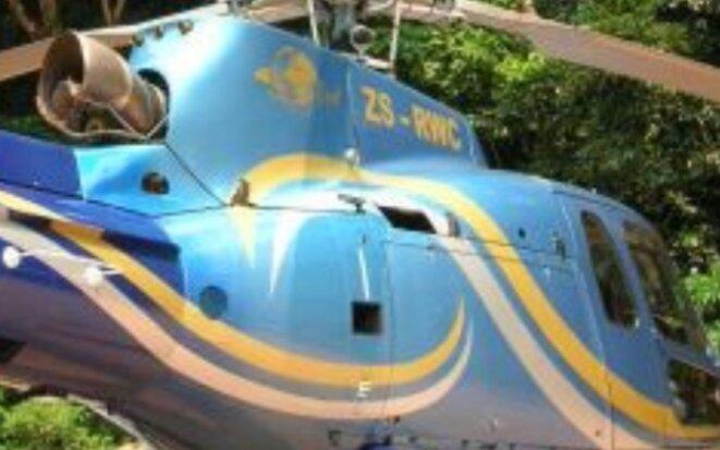 A l'origine, l'hélicoptère était de cette couleur, un engin plutôt destiné pour la plaisance que pour l'usage militaire. Elle est depourvue des normes exigées pour des hélicoptères militaires pour le transport ou d'assaut. Une arnaque avérée.
