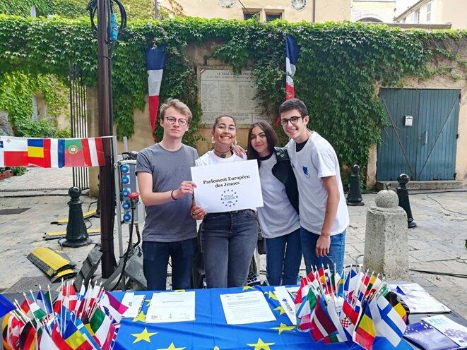 Stand du Parlement Européens des Jeunes.