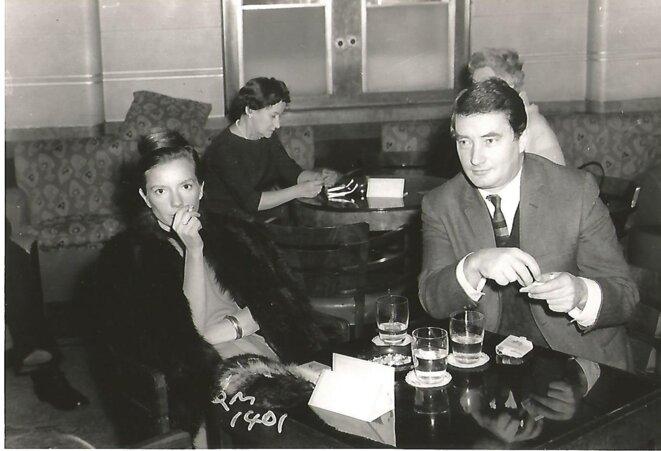 Henriette de Champrel et Claude Tarnaud à bord du « Queen Mary », 1962.