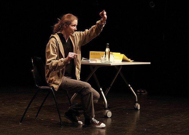 Marion Chabloz, Si tu t'mettais un peu dans l'moule - Festival Soli | Comédie de Genève, 30 avril - 12 mai 2019 © Photo : Sébastien Monachon