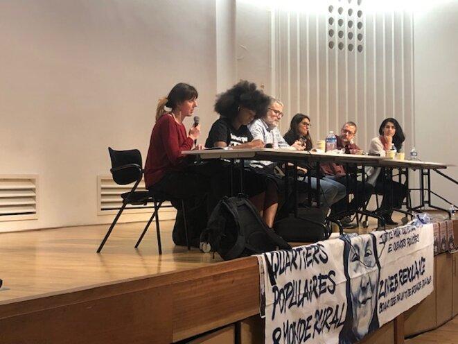 """Mathilde Larrère, Assa Traoré, Claire Dujardin, Ivan du Roy, Fatima Ouassak lors de """"Ripostons à l'autoritarisme"""" le 11 mai à Paris (JL)"""