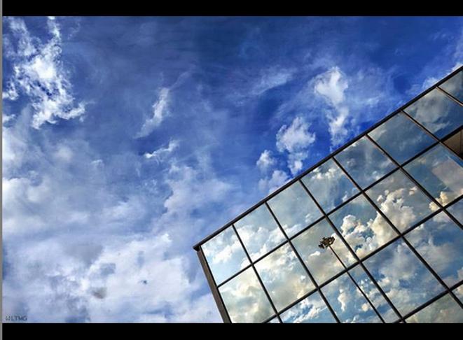Skies / Cieux © Luna TMG