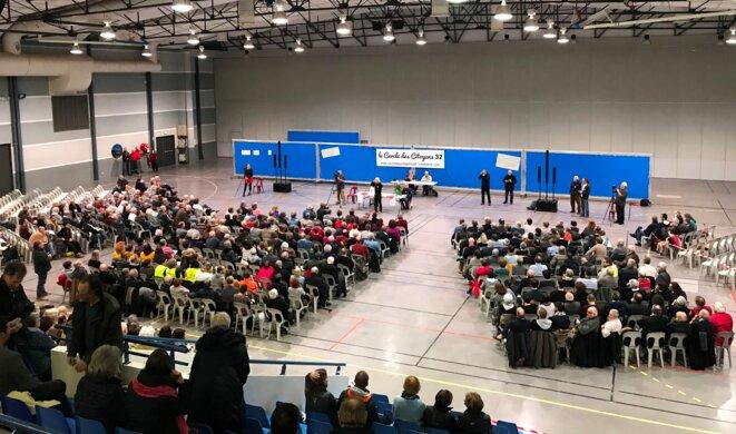 Cercle des citoyens, le 8 février à Auch, en présence de 700 personnes [Photo YF]