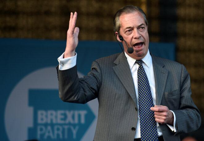 Nigel Farage lors d'un meeting du Parti du Brexit le 15 mai 2019 à Merthyr Tydfil, au Pays de Galles. © Reuters/Rebecca Naden