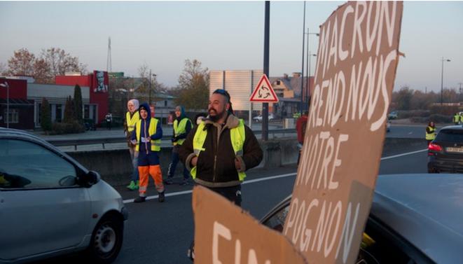 Salaires: comment les gilets jaunes ont court-circuité les négociations collectives