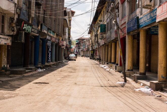 Les rues désertes de Lal Chowk, Srinagar © Arnaud Chastagner