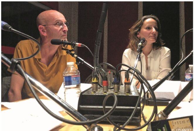 Christophe Anché et Laura Izzo au micro de L'Antenne du social sur radio Libertaire [Photo Joël Plantet, Lien Social]