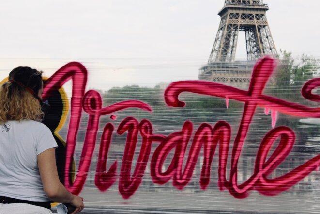 Graffiti Miaoutoo et Kwim pour Citoyenne Féministe, Tour Eiffel © Citoyenne Féministe