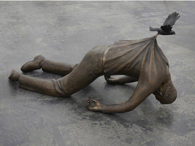 Sculpture de Fredrik Raddum, artiste norvégien : l'immigration humaine.