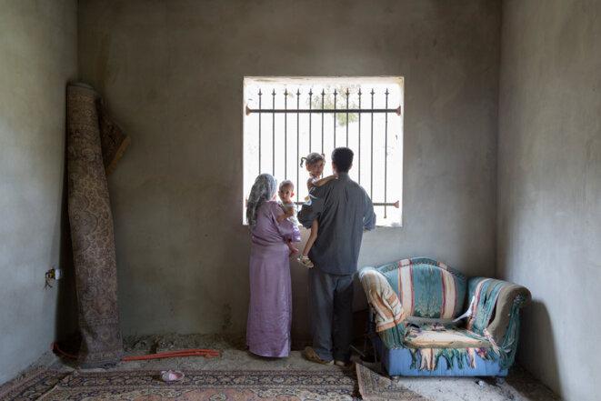 """Dalia Khamissy, série """"In Transit"""", 2015, Photographie, Exposition """"C'est Beyrouth"""", Institut des cultures d'Islam, Paris. 2019 © Dalia Khamassy"""