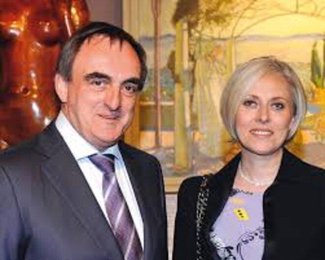 Le commissaire-priseur parisien Marc-Arthur Kohn et son épouse.