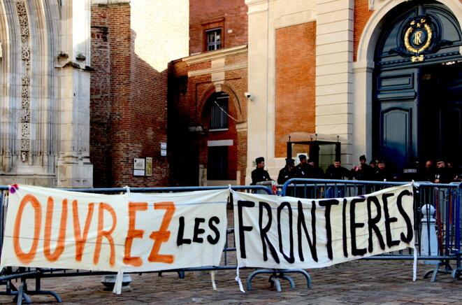 Devant la préfecture de Toulouse, à l'occasion d'une action militante, en février 2017. © ER