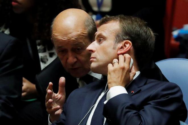 Jean-Yves Le Drian y Emmanuel Macron, el 26 de septiembre de 2018. © Reuters