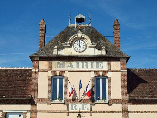Fronton de l'hôtel de ville d'Évry (Essonne) © François Goglins/Wikimedia Commons, lic. creative commons CC-BYSA 4.0 int.
