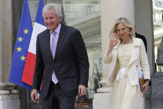 Jeff Immelt, then CEO of GE, leaving a meeting at the Elysée Palace, June 2014 accompanied by then GE France general manager Clara Gaymard. © Reuters
