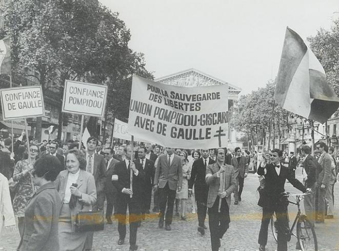 Manifestation gaulliste du 30 mai 1968 (Paris) © Archives nationale, domaine public (Wikimedia Commons)