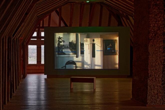 """Babette Mangolte, """"Edward Krasiński's Studio"""", vidéo, 2006, Spaces to SEE. Musée d'art contemporain de la Haute-Vienne, château de Rochechouart, 2019. © Babette Mangolte, Photo : Aurélien Mole"""