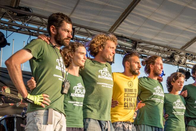 """Charles-Adrien Louis (""""CAL""""), tout à gauche, dans l'équipe du Tour Alternatiba 2018 à Grenoble © Sébastien Fauvel"""