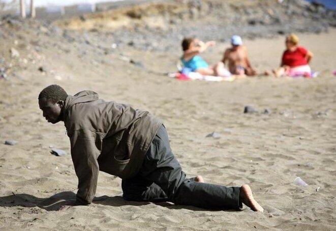 5 mai 2006, sur une plage des Canaries. © Juan Medina / Reuters