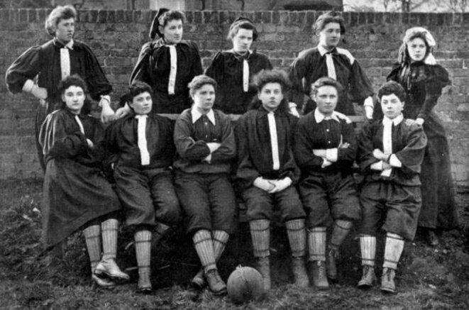 L'équipe de Helen Graham Matthews en 1895.
