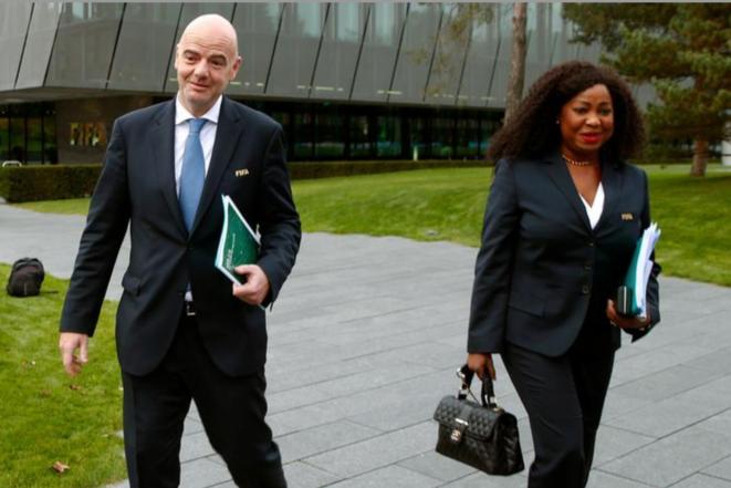 Le président de la Fifa Gianni Infantino et sa secrétaire générale Fatma Samoura. © Reuters