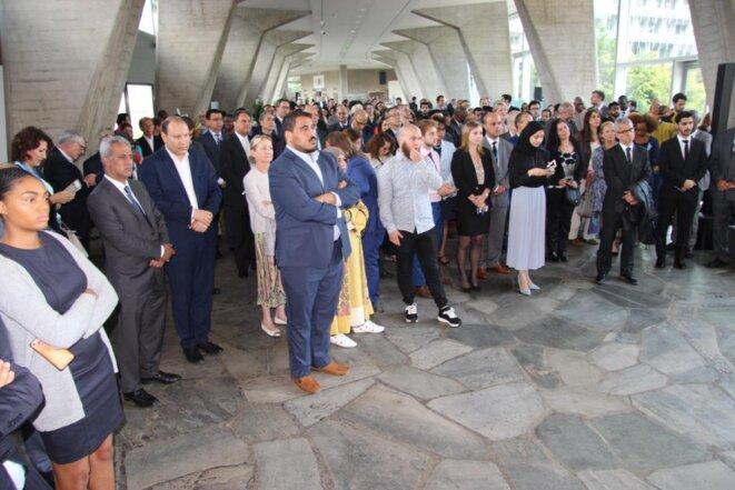 Les invités écoutant le discours  de S. Exc. Monsieur Ibrahim ALBALAWI