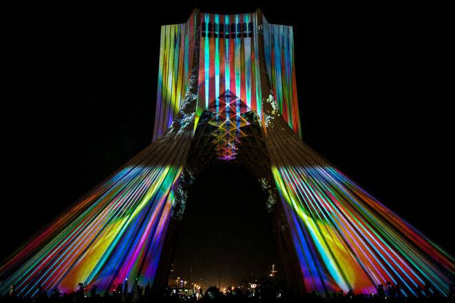 Le labyrinthe du temps de Stéphane de Gérando projection monumentale sur la tour Azadi