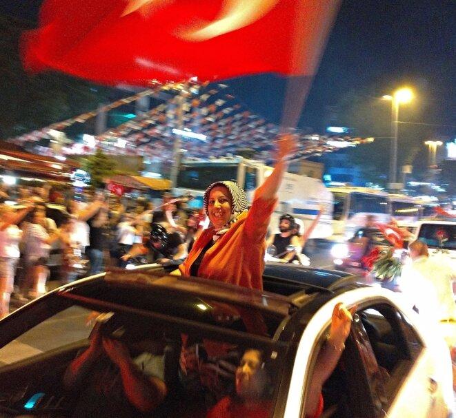 Dans la soirée du 23 juin, à Istanbul. © NC