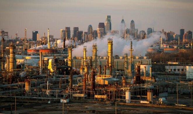 Une raffinerie de pétrole à Philadelphie (États-Unis). © Reuters