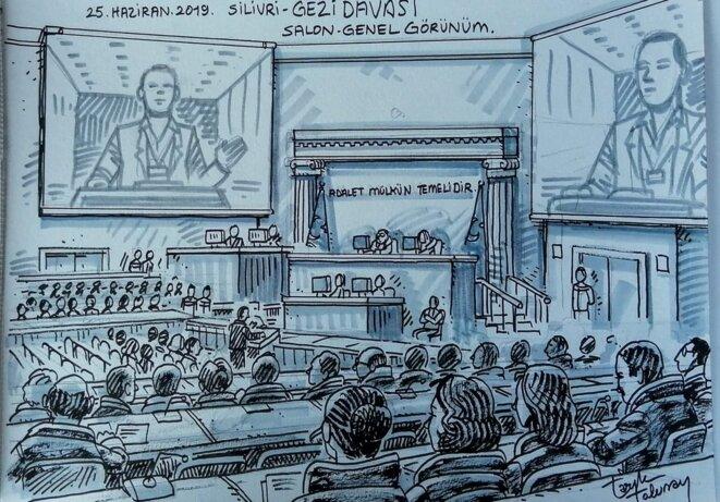 Vue d'ensemble de la salle d'audience. © Tarik Tolunay