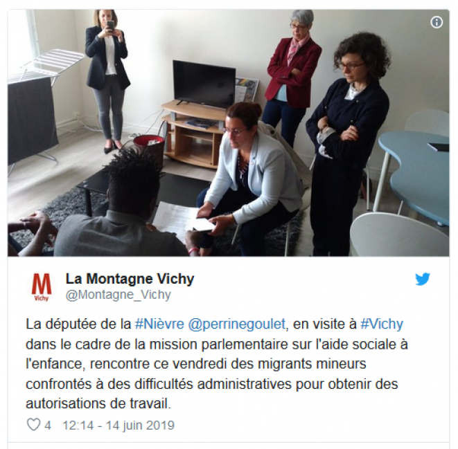 Deux jeunes font part de leur expérience aux députées de l'Allier (Bénédicte Peyrol) et de la Nièvre (Perrine Goulet), le 14 juin dernier à Vichy. © Compte twitter @Montagne_Vichy