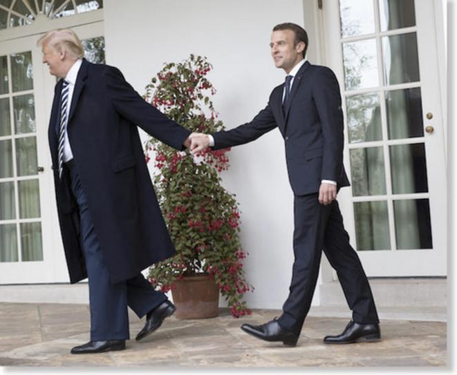 Donald Trump et Emmanuel Macron lors de sa visite à la Maison Blanche en avril 2018. © Reuters