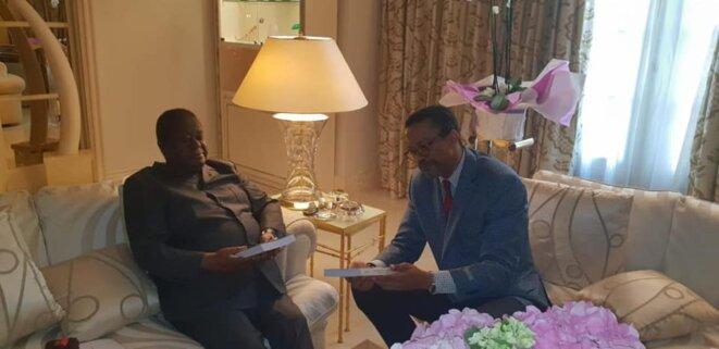Présentant mes ouvrages le 8 juillet 2019 au  Président Henri Konan Bédié
