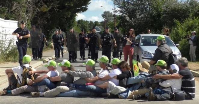 Action du Collectif pour le triangle de Gonesse, en juin 2019 (site du CPTG).