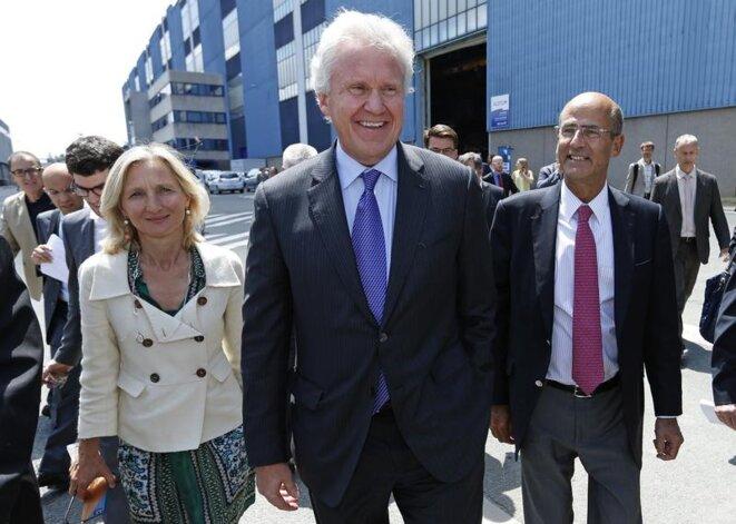 Clara Gaymard (GE France) Jeff Immelt (GE) et Patrick Kron (Alstom) en visite à Belfort en juin 2014 © Reuters