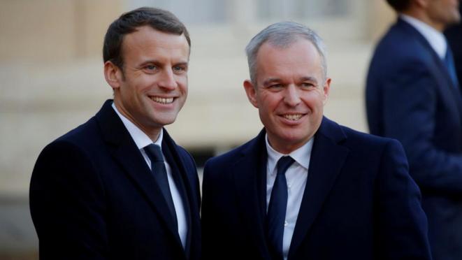 François de Rugy et Emmanuel Macron sur le perron de l'Élysée, le 12 décembre 2017. © Reuters