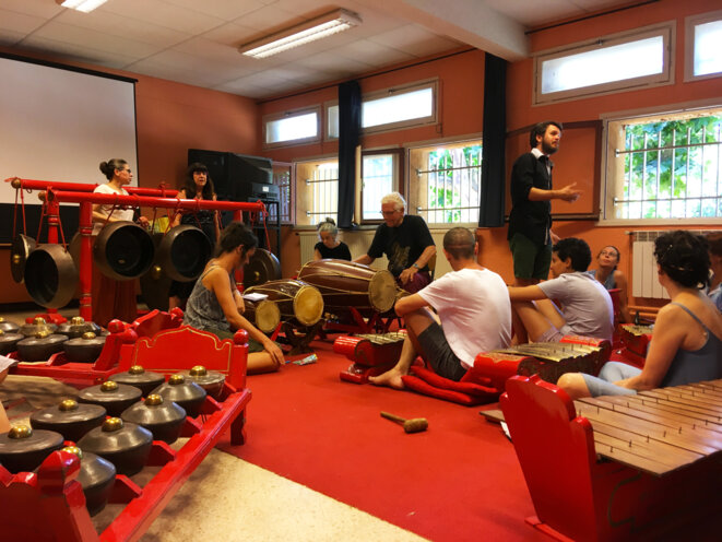 La classe de gamelan © Benjamin MiNiMuM