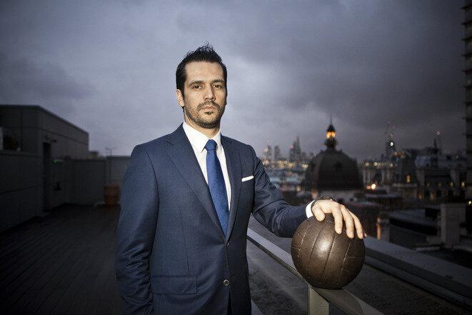 Nelio Lucas, ancien dirigeant de Doyen Sports, sur le toit des anciens bureaux du groupe à Londres. © Stéphane Lagoutte - Challenges/REA
