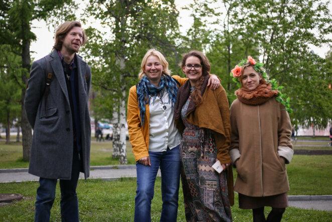 Les militants écologistes Anna Baltina, Anastasia Katakova et Stepan Anchugov, du collectif « Parcs et squares » de la ville. © JC