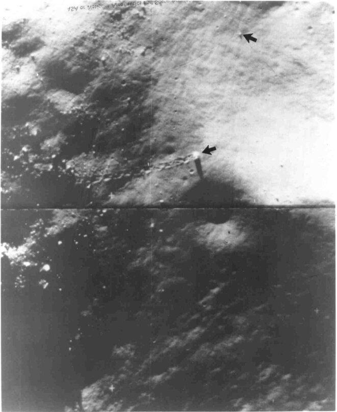 Une des photos d'engins extraterrestre roulant sur la lune publiée par George Leonard dans son livre.