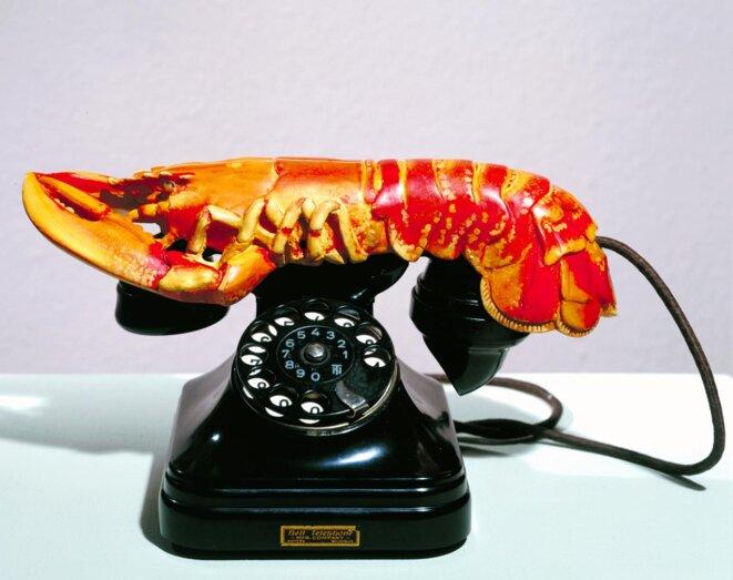 Le téléphone-langouste de Dali. Y a-t-il de la friture sur la ligne du pouvoir?