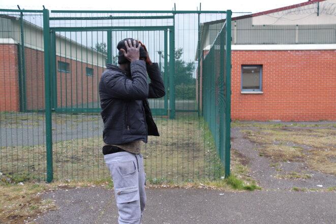 Nguipinidji, un Centrafricain, rencontré en avril 2019 au centre du Mesnil-Amelot alors qu'il alignait déjà 87 jours de rétention. © MM